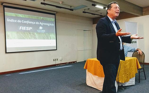 Índice de Confiança do Agronegócio cai 8,6 pontos percentuais no trimestre