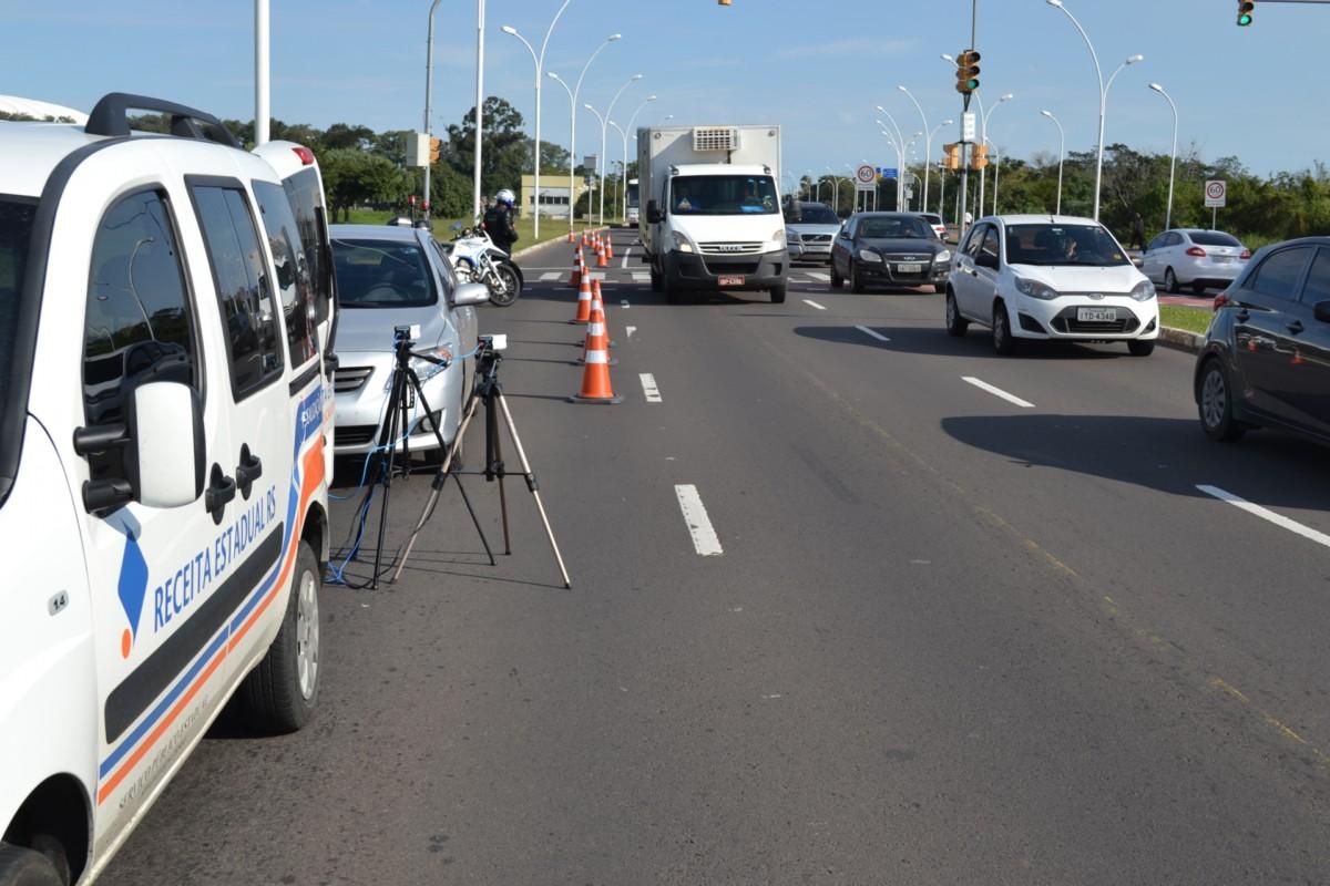 Quase 400 mil veículos não quitaram o IPVA e estão irregulares no Estado