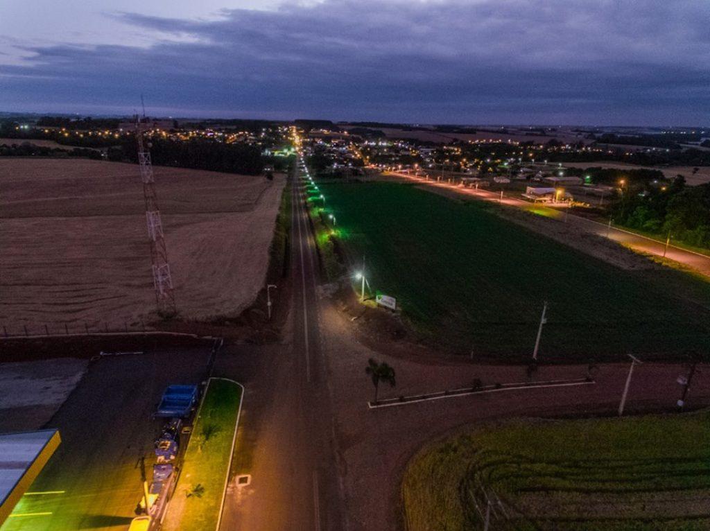 Prefeitura de XV de Novembro realiza melhorias na iluminação pública e recuperação da VRS 824