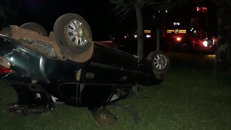 Vectra capota na RS 142 entre Carazinho e Não-Me-Toque e casal fica ferido
