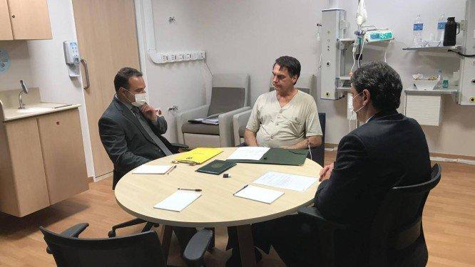 Bolsonaro melhora e médicos retiram dreno e sonda nasogástrica