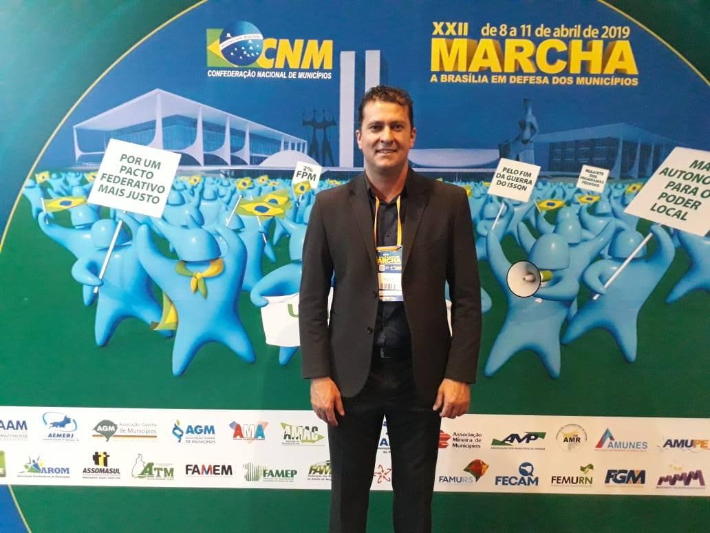 Prefeito de Tio Hugo aproveita ida a Brasília para intensificar contatos por verbas