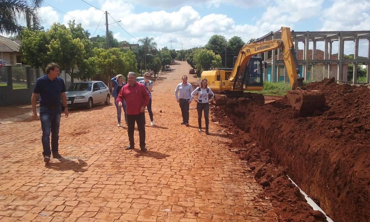 Selbach segue investindo em pavimentação e fomentando distrito industrial
