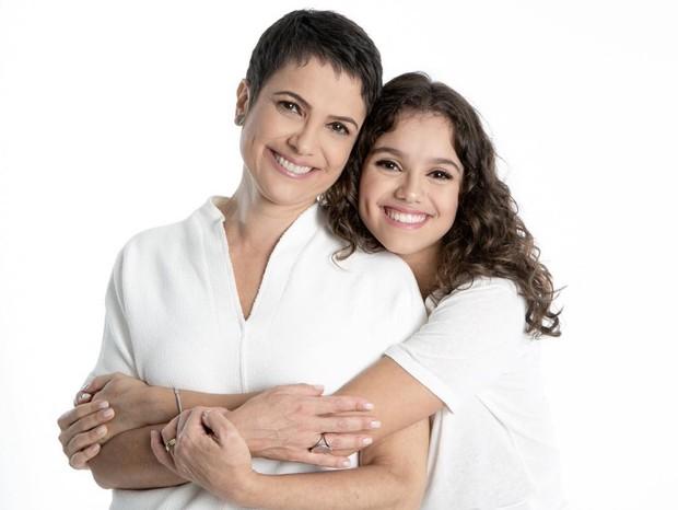 """Sandra Annenberg emociona web nos 16 anos da filha: """"Te amo mais que tudo"""""""