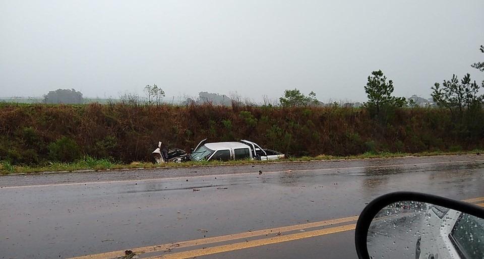 Motorista fica ferido após saída de pista na RS 332 em Tapera