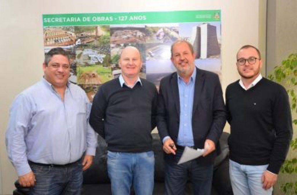 Prefeito de Victor Graeff trata de aumento de efetivo e videomonitoramento em Porto Alegre