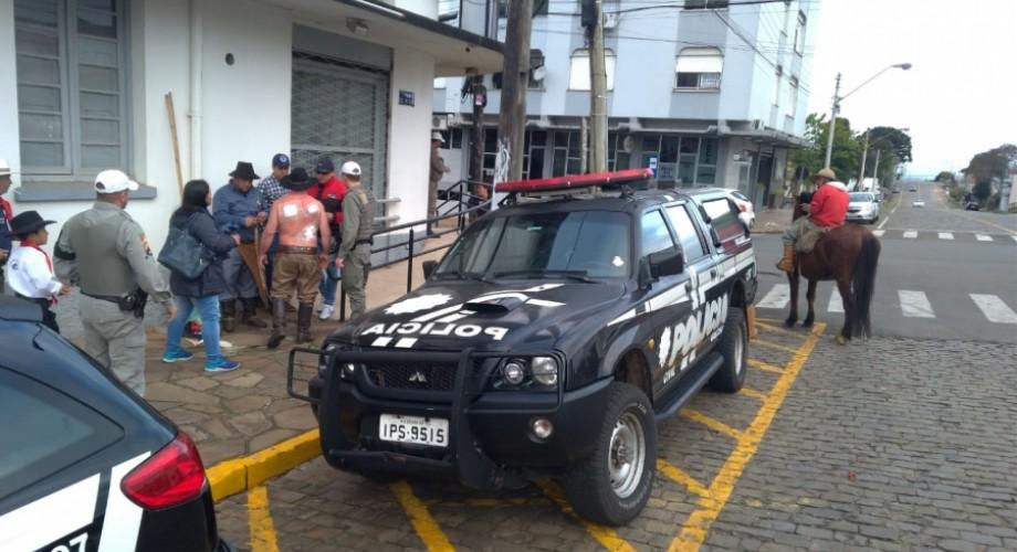 Desfile de 20 de Setembro termina em briga generalizada em Soledade