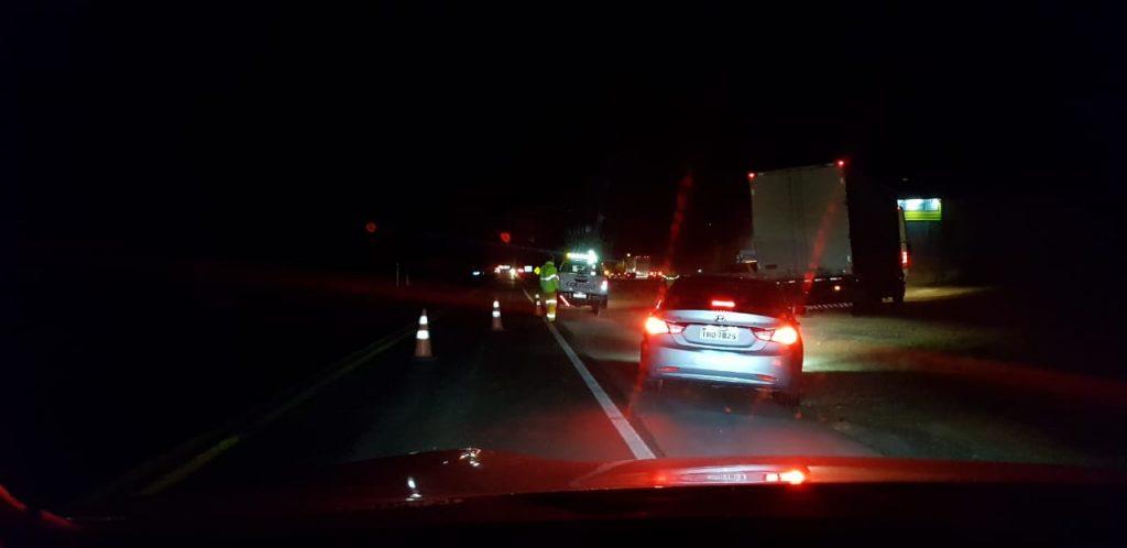 Homem morre atropelado por dois veículos na BR 386 em Tio Hugo