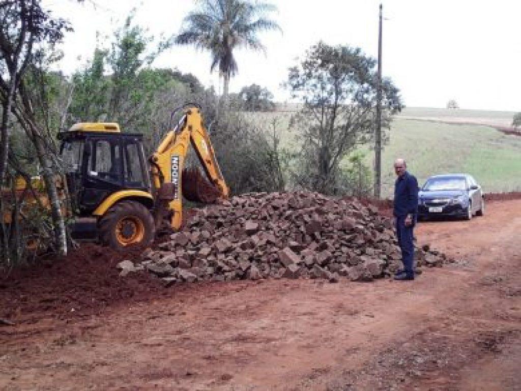 Estradas do interior recebem melhorias em Lagoa dos Três Cantos