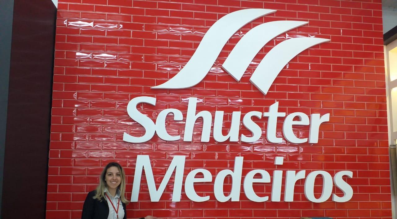 Schuster e Medeiros de Carazinho completa 63 anos