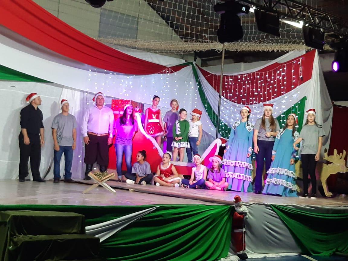 Show de Natal encerra programações dos 32 anos de Alto Alegre
