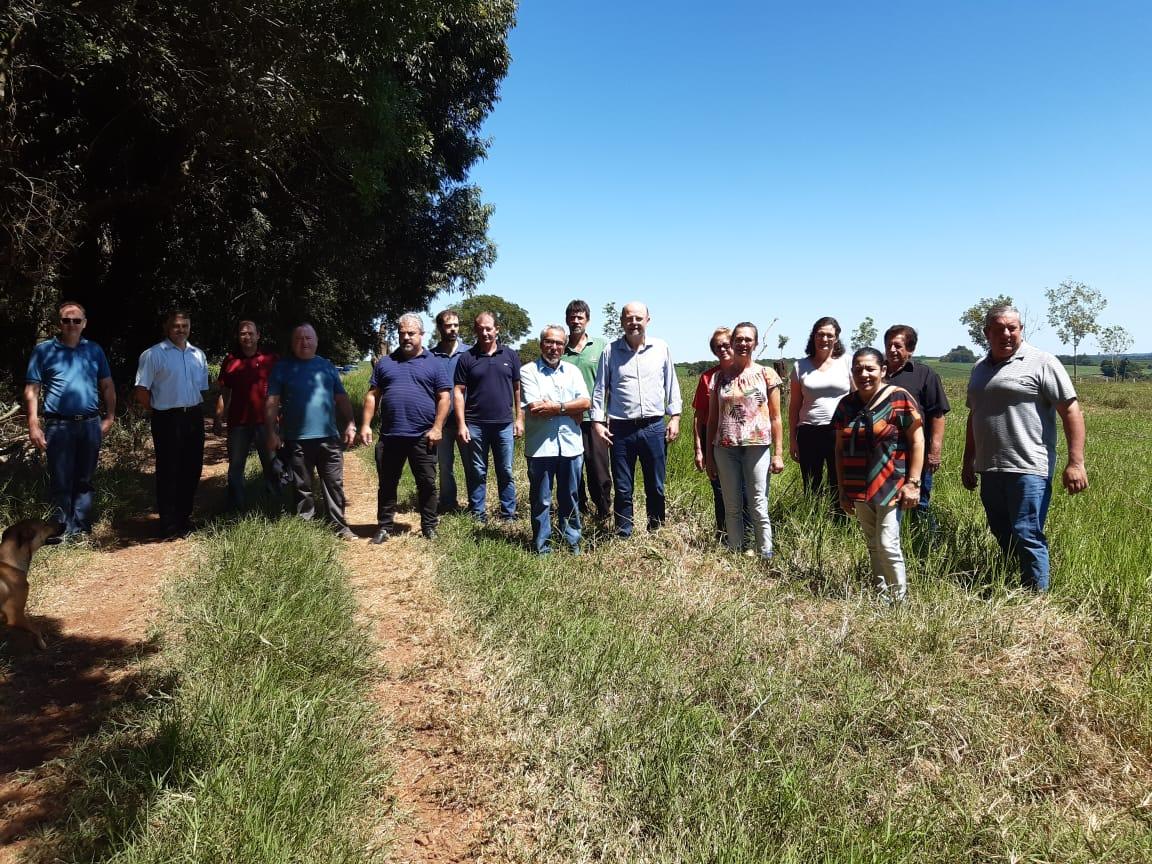 Deputado Bohn Gass visita propriedade de Moacir Morgan em Alto Alegre
