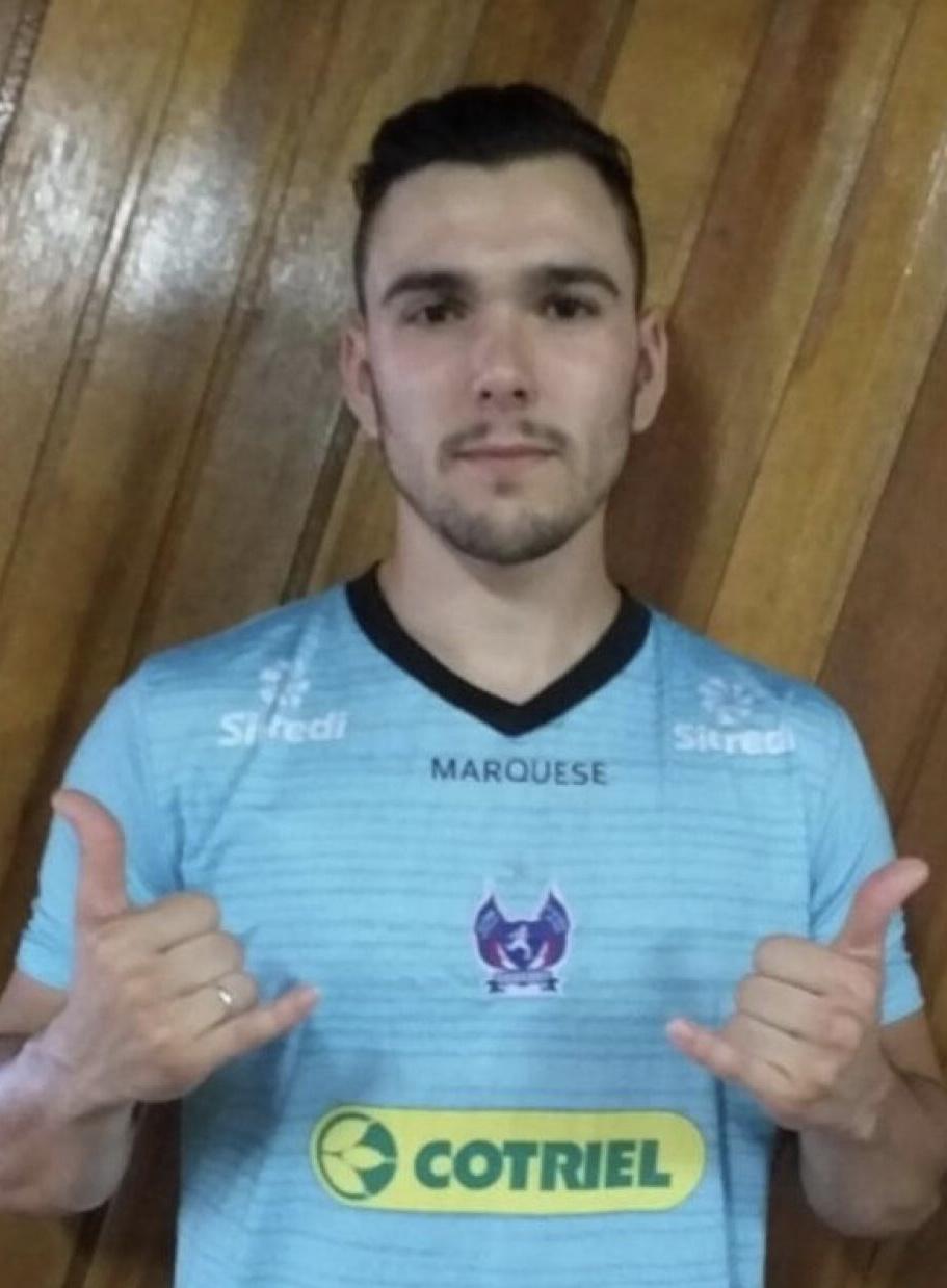 Jovem goleiro Uigor passa para o profissional do Guarany