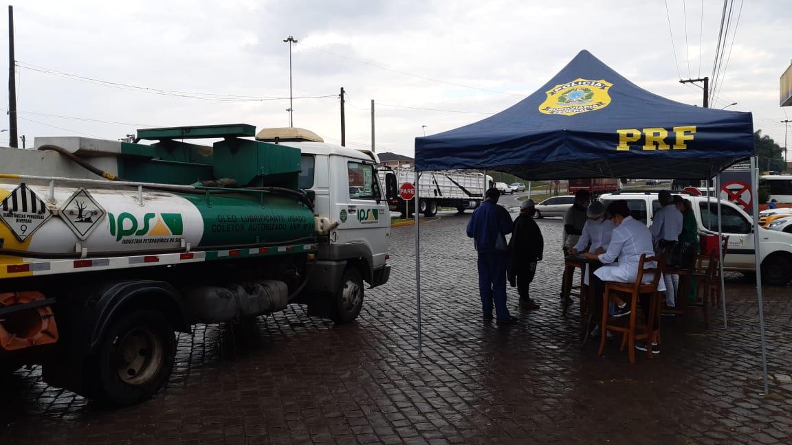 Unidades da PRF de Lajeado e Nova Santa Rita sediarão vacinação de caminhoneiros contra a gripe