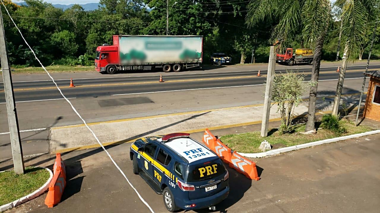 Motorista de carreta que carregou soja em Victor Graeff é preso embriagado