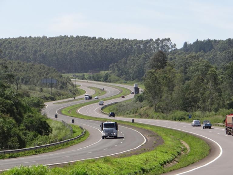 BR 386 entre Carazinho e Porto Alegre pode ser uma das rotas para a covid-19