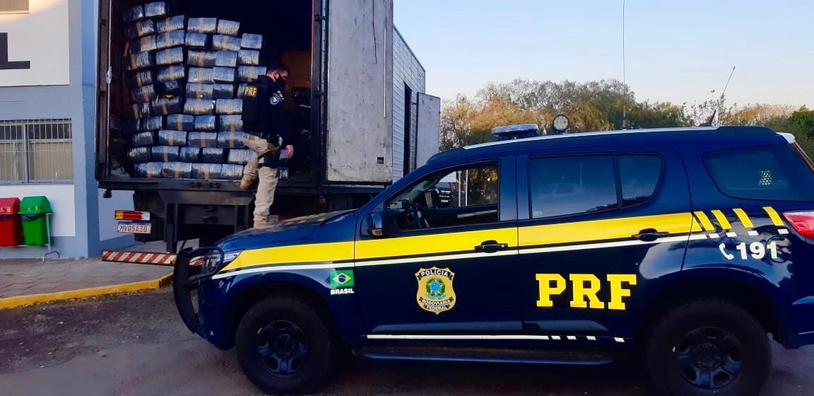 PRF apreende quase três toneladas de maconha em Carazinho