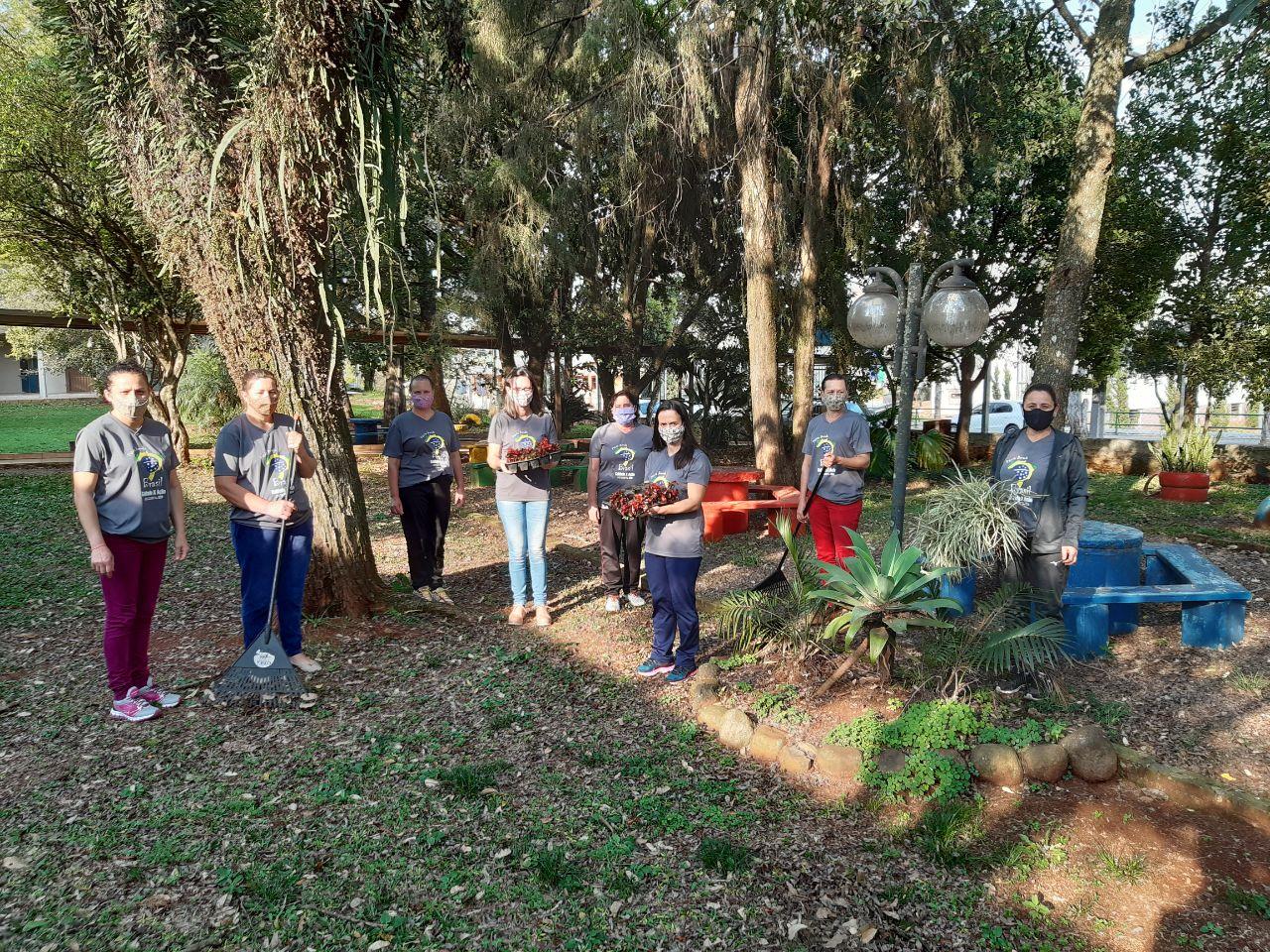 Escola Barão Homem de Melo de Alto Alegre realizou embelezamento do espaço escolar