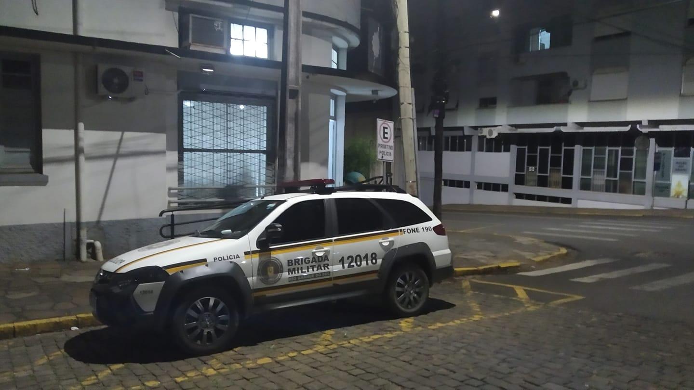 Homem é assassinado a tiros no meio da rua em Soledade