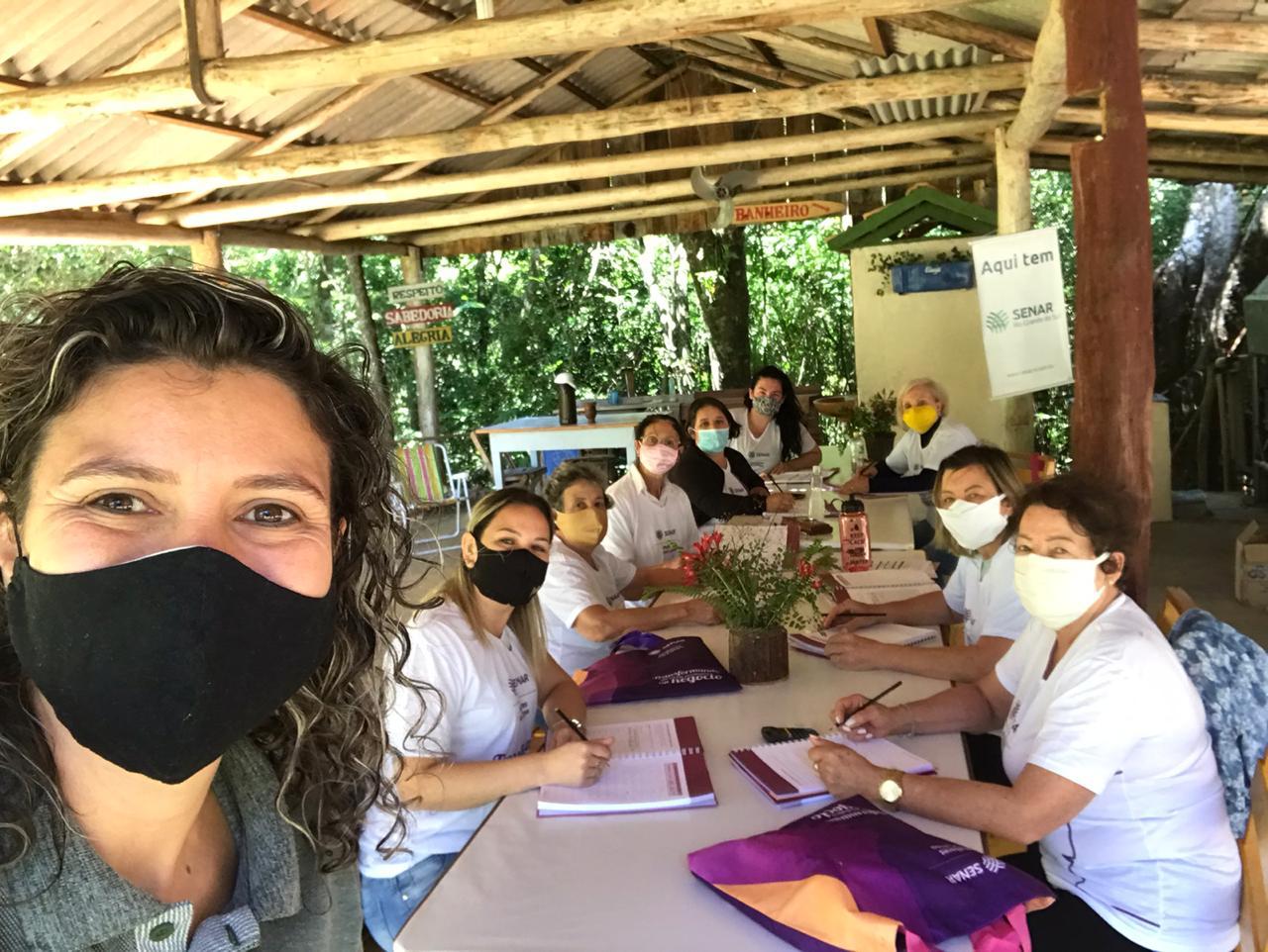 Integrantes de roteiro turístico de Campos Borges passam por capacitação