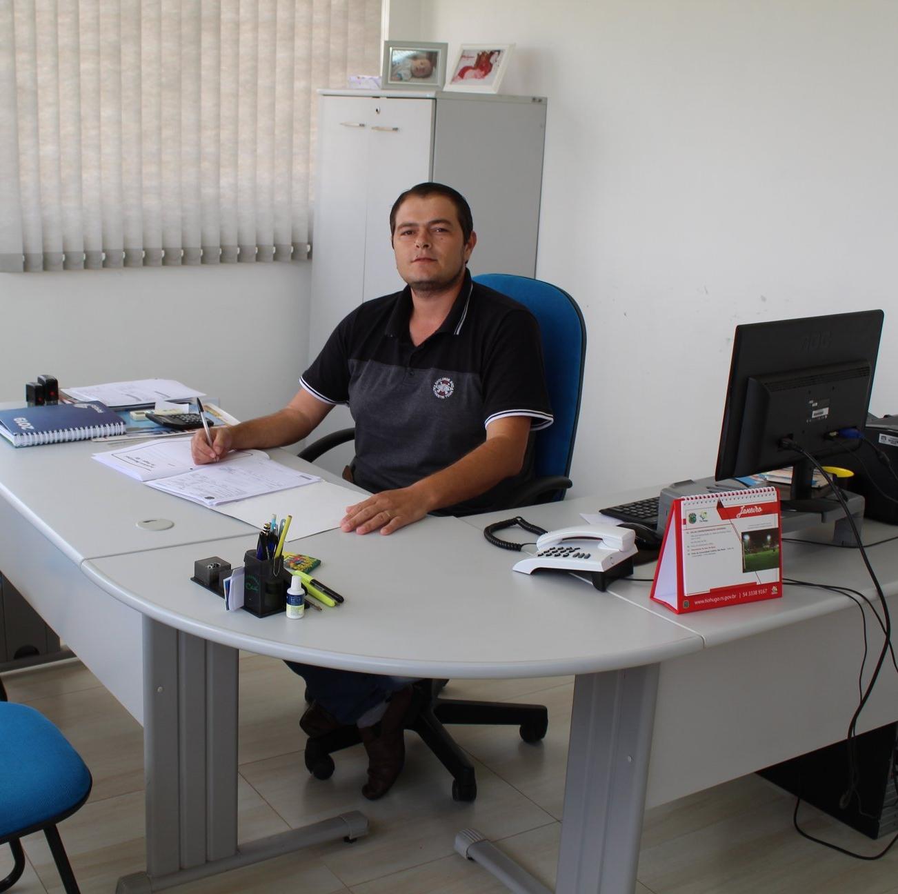Vice-prefeito em exercício de Tio Hugo Geder Follmer projeta período que estará a frente da administração