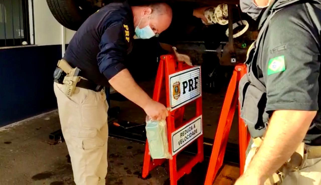 PRF prende traficantes com mais de 20 quilos de cocaína em Passo Fundo