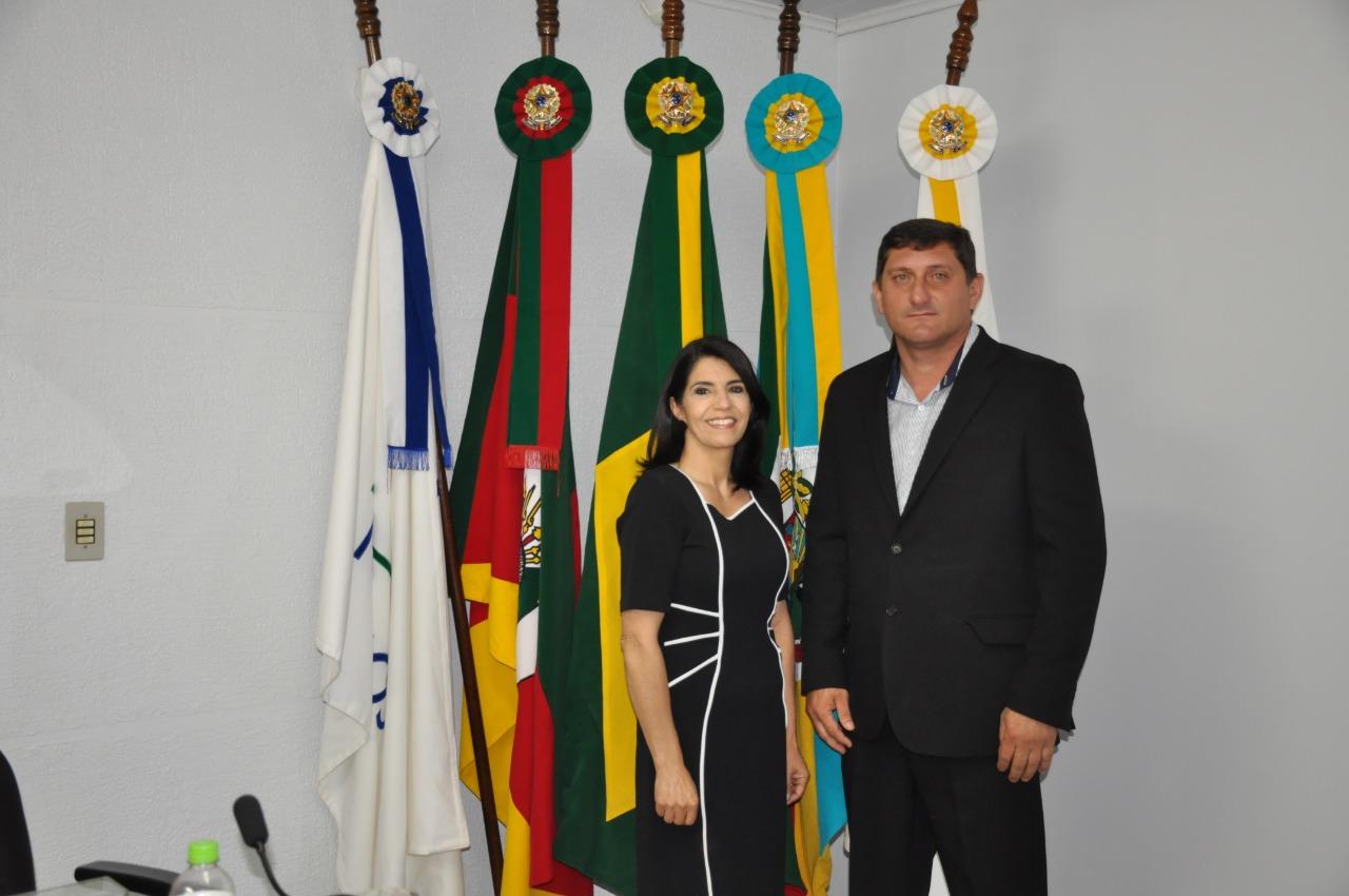 Cleonice Toledo e Daniel Morgan assumem a prefeitura de Campos Borges