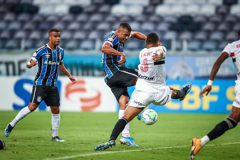 Grêmio perde de 2 a 1 para o São Paulo no Campeonato Brasileiro