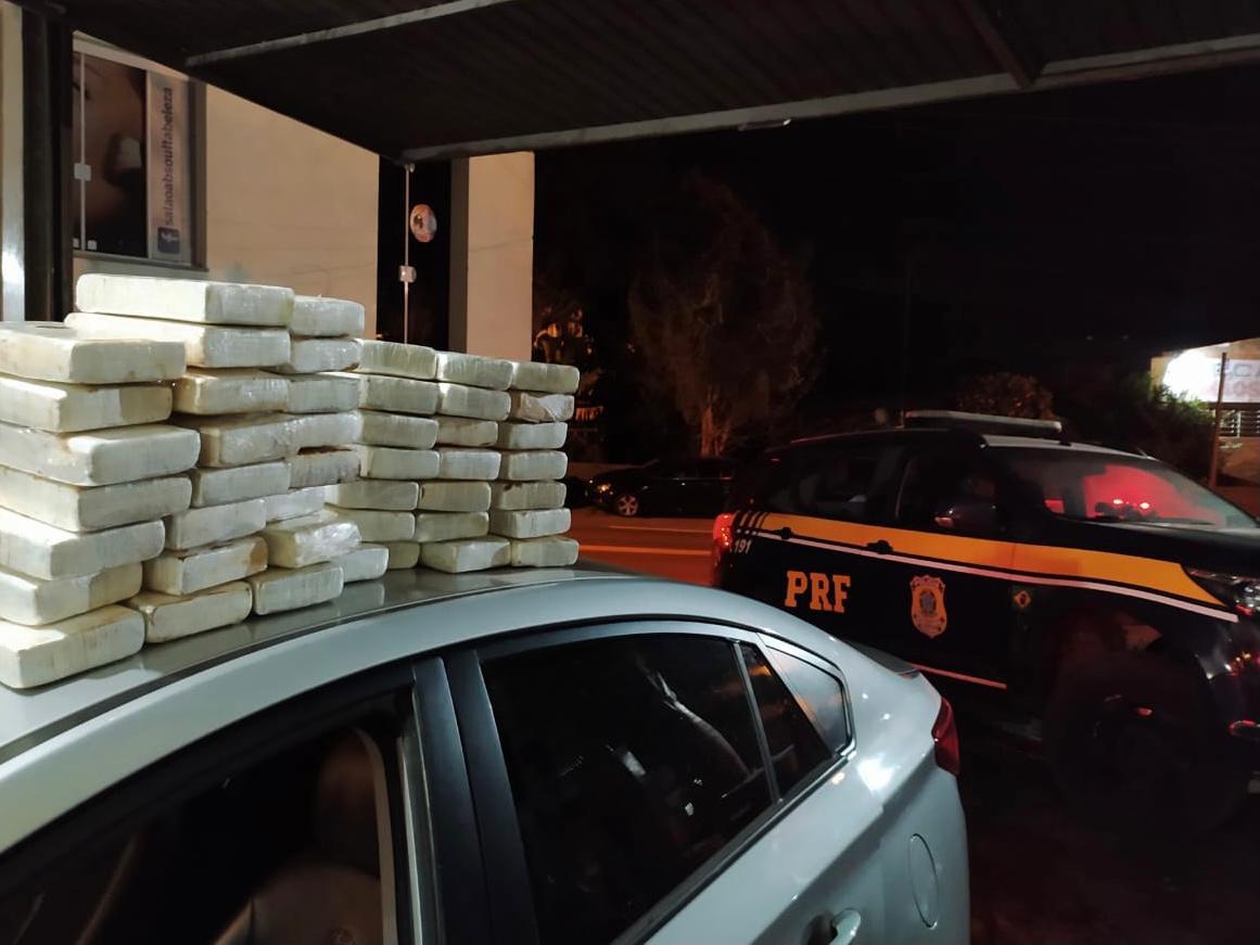 PRF prende em Erechim traficante com quase 50 quilos de cocaína e causa prejuízo de mais de R$ 7 milhões para o crime organizado
