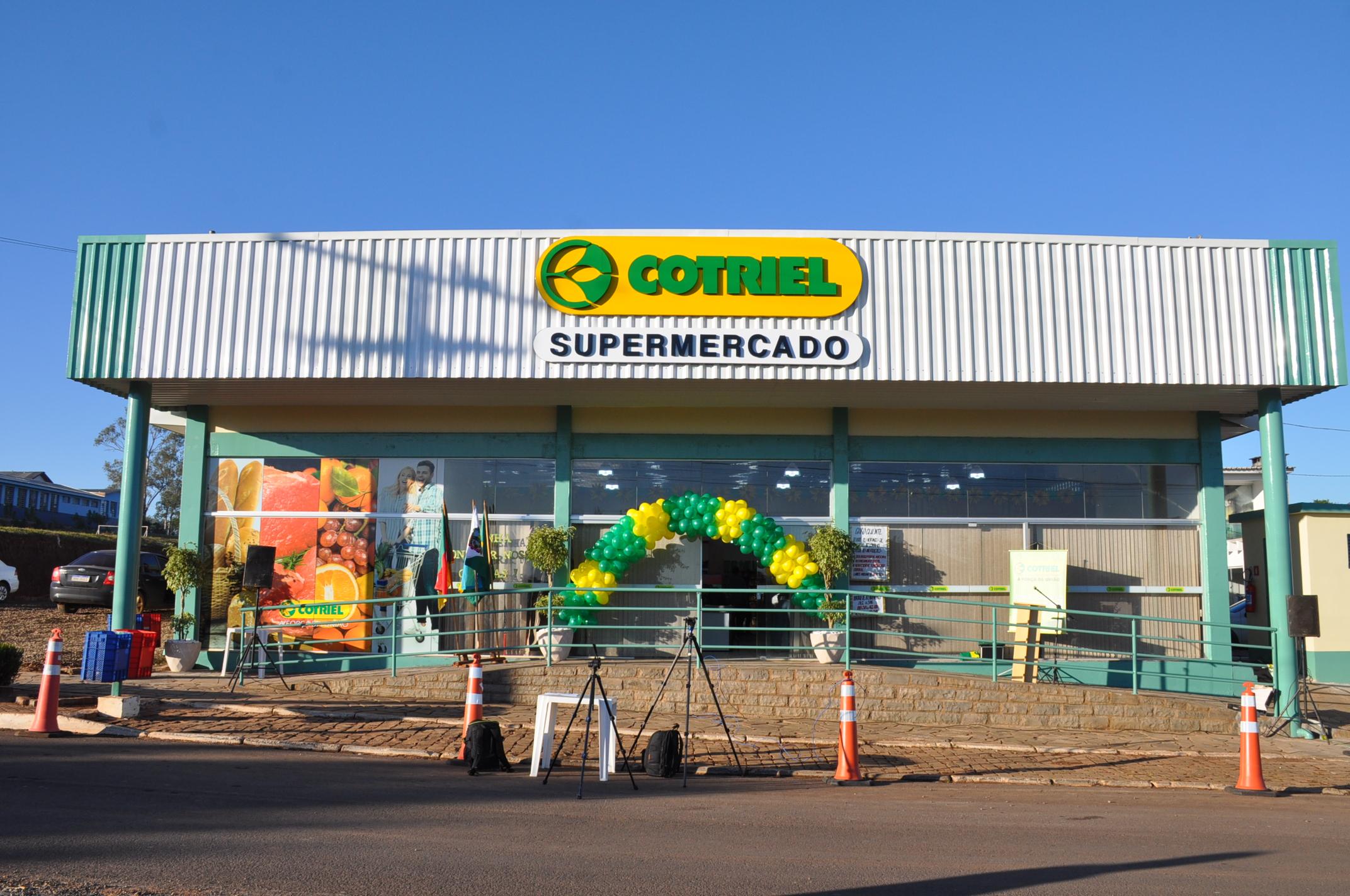 Inaugurado o Supermercado Cotriel de Jacuizinho