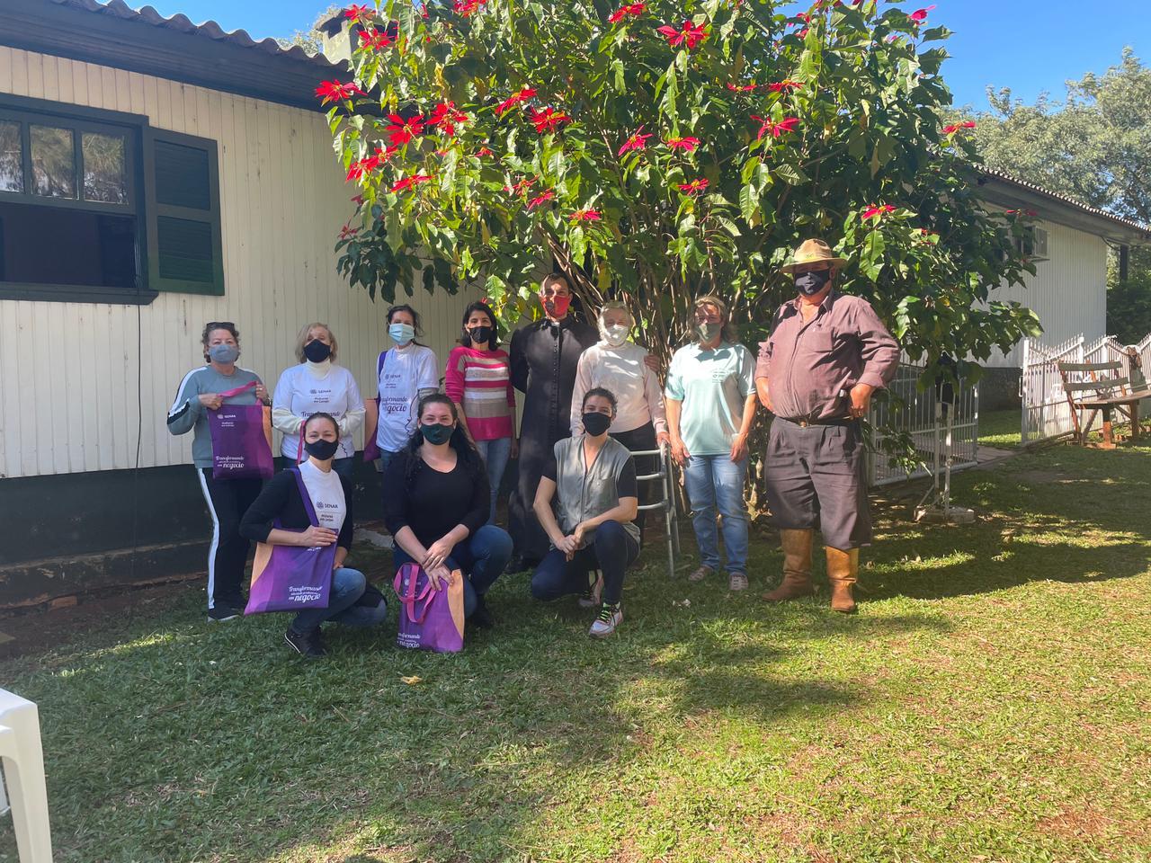 Programa Mulheres em Campo do Senar capacita mulheres em Campos Borges