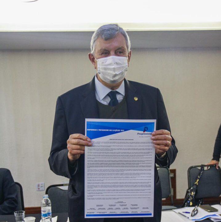 Senador Luis Carlos Heinze é oficializado pré-candidato ao governo do Rio Grande do Sul