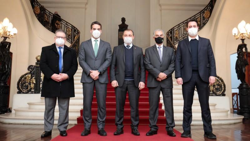 Governadores do RS, SC, PR E MS querem mais repasses para saúde e mutirão para cirurgias eletivas