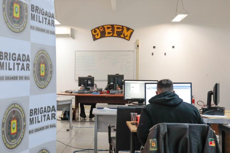 Mais de 1,3 mil ocorrências já foram atendidas pelo 190 da capital após incêndio na SSP