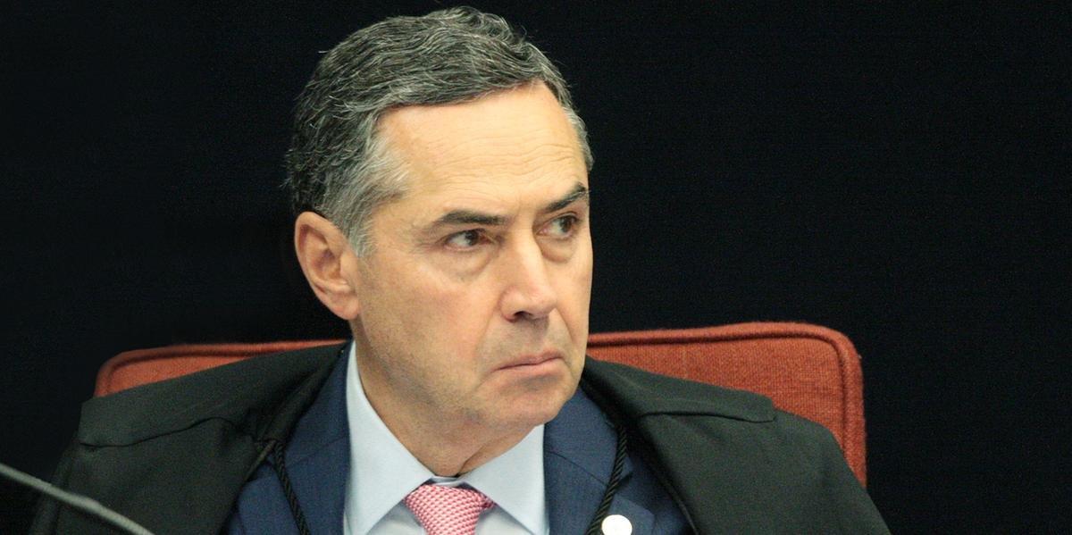 TSE pede que STF investigue Bolsonaro sobre ataques às urnas