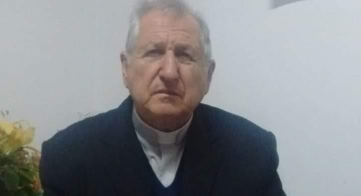 Padre de Alto Alegre passa mal enquanto dirigia e para o carro no meio rua em Espumoso
