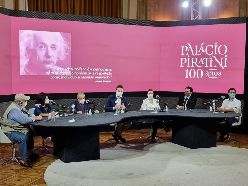 Na estreia do Palácio Aberto, governador e jornalistas discutem o papel da democracia desde a Legalidade até os dias atuais