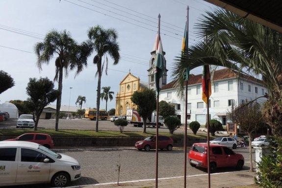 13 dos municípios do RS que temem ser extintos têm 90% da arrecadação dependente de repasses federais e estaduais