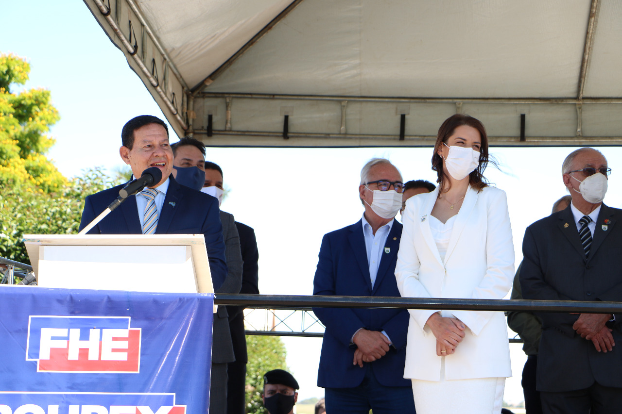 Vice-presidente General Hamilton Mourão visita Cruz Alta
