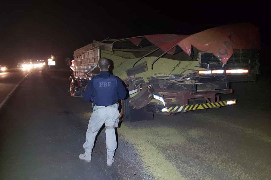 Dois caminhões se envolvem em acidente da BR-386 em Tio Hugo