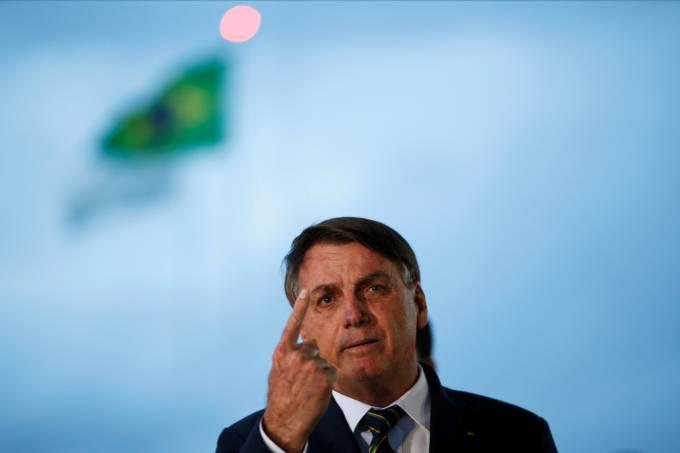 """Bolsonaro anuncia coletiva para """"reestabelecer verdade"""" sobre Moro"""