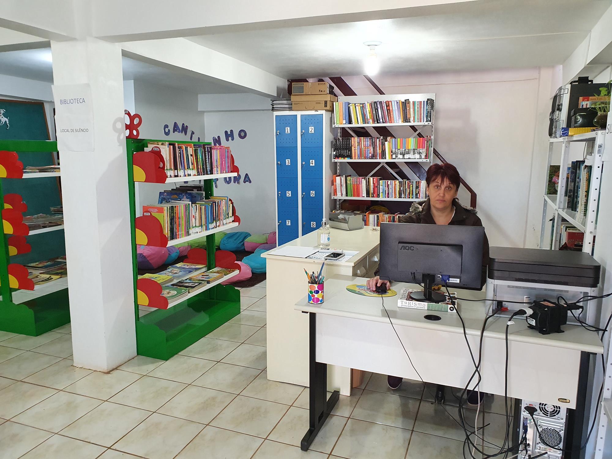 Biblioteca está à disposição da comunidade
