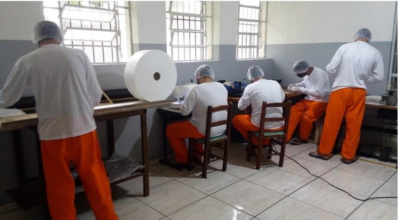 Apenados do Presídio de Espumoso produzem máscaras de proteção