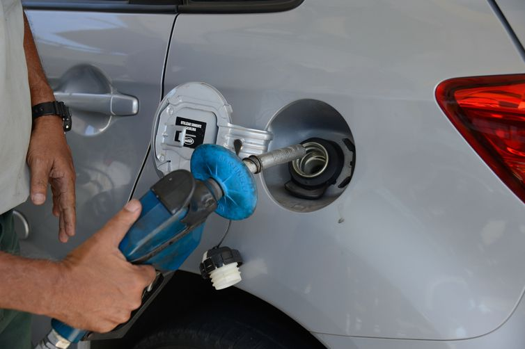 Nova gasolina começa a ser vendida em 3 de agosto com melhor qualidade e maior preço
