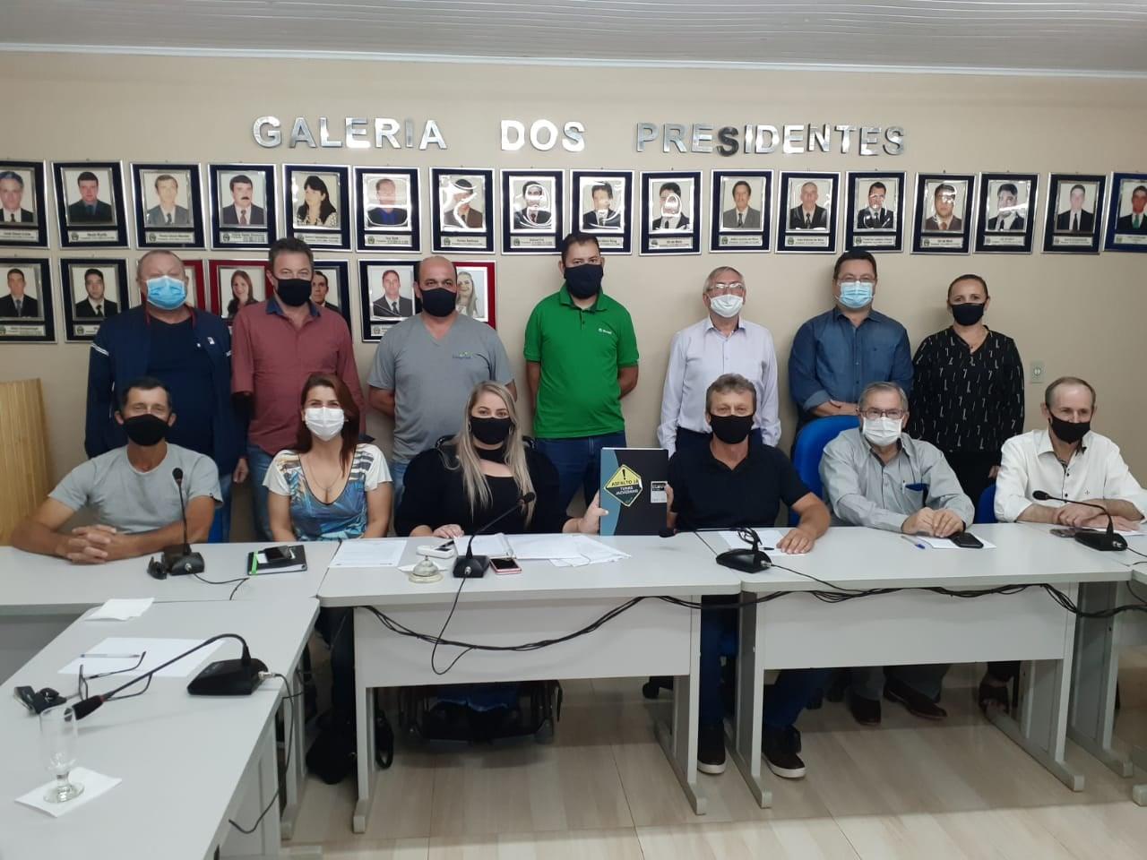 Prefeito Diniz participa de mobilização regional para ligação asfáltica entre TUNAS/JACUIZINHO