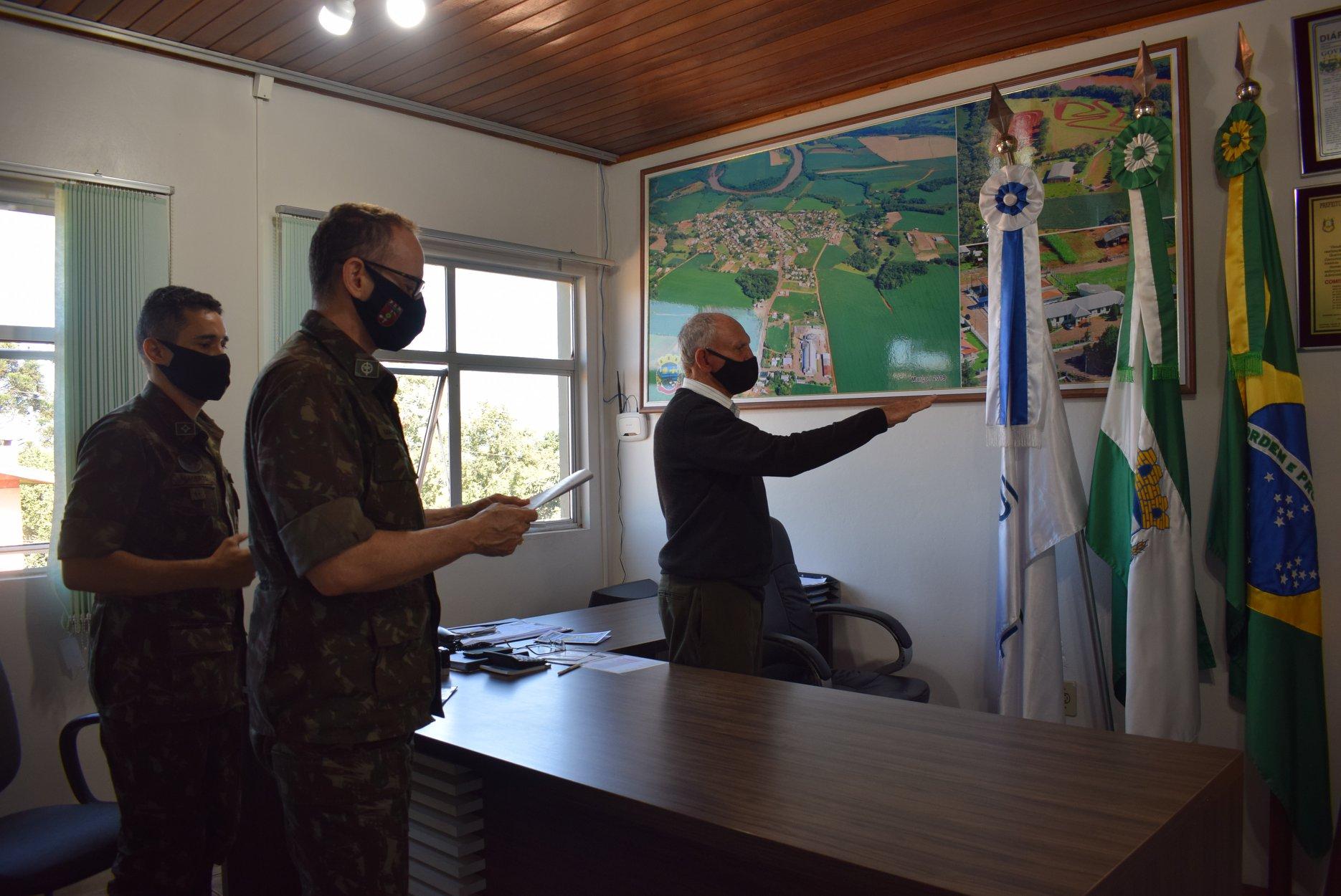 Prefeito Avelino toma posse como presidente na Junta Militar de Alto Alegre