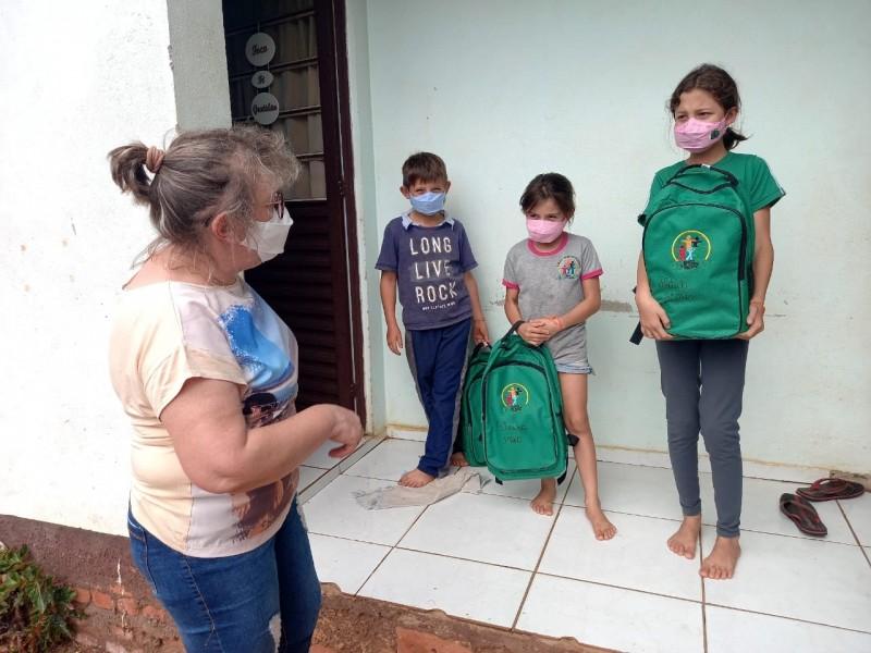 SMEC de Alto Alegre realiza entrega de materiais didáticos aos alunos