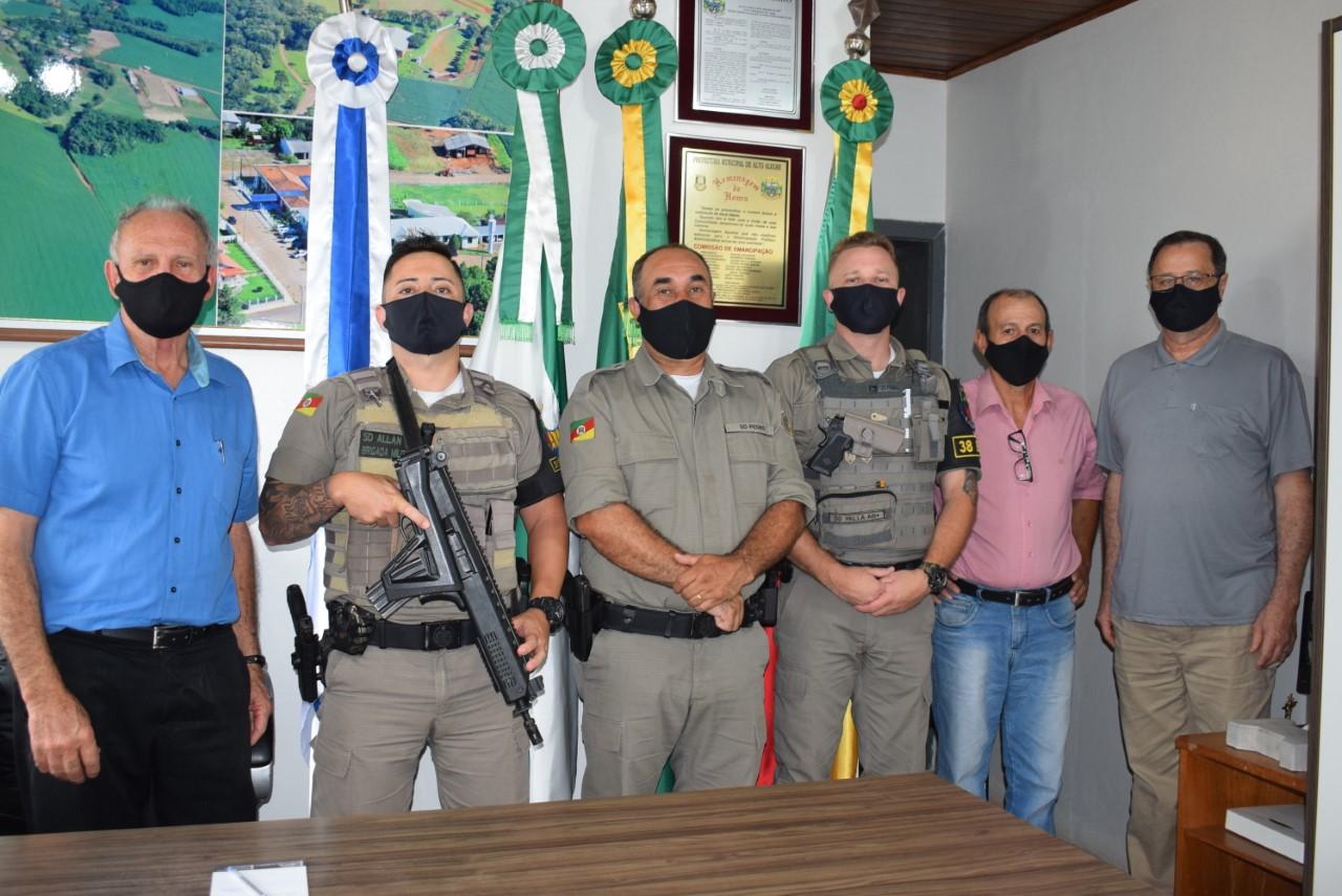 Brigada Militar visita Administração Municipal em Alto Alegre