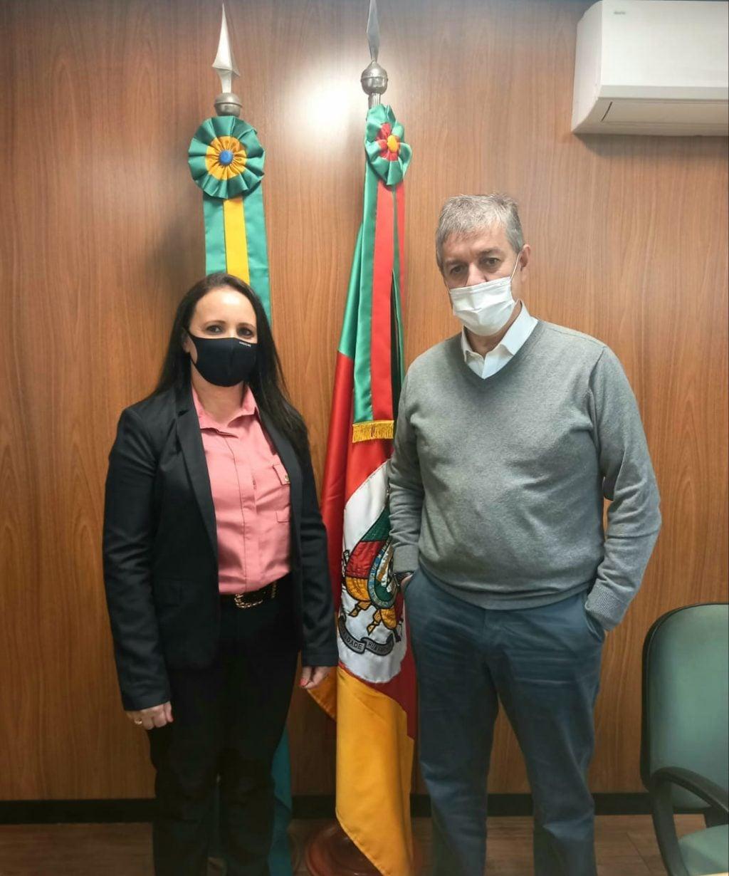 Secretária da administração de Jacuizinho Carla Bugs articula recursos para construção do prédio do Conselho Tutelar na cidade