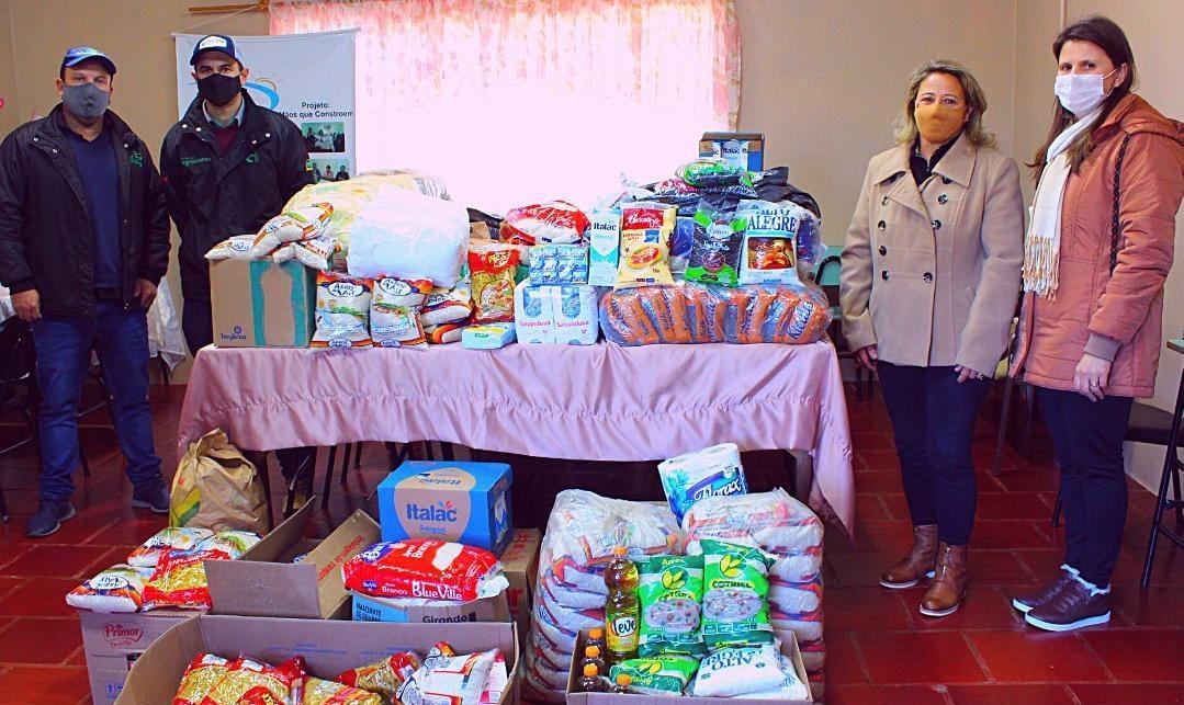 CRAS de Campos Borges recebe doação de alimentos